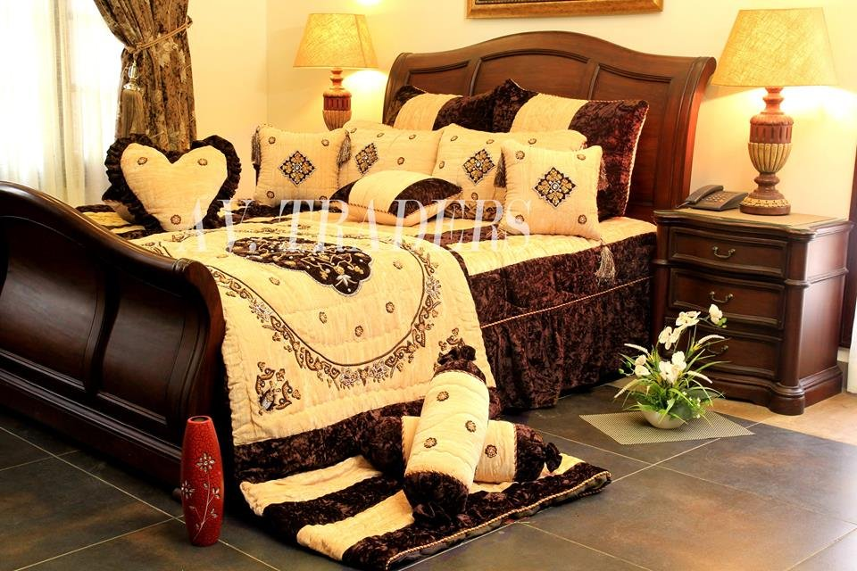 Buy Exclusive Hand Made Bridal Comforter Set