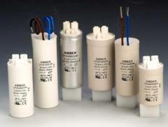 Lamp capacitors