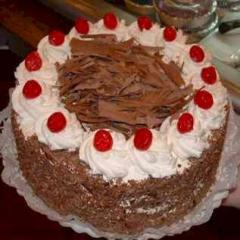 2 lbs black forest cake