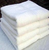 100% White Bath Towel