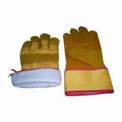 Safety gloves, various sizes and patterns are