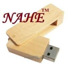 4gb Wooden Swivel USB Flash Drive