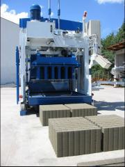 Movable concrete block making machine SUMAB E-12,