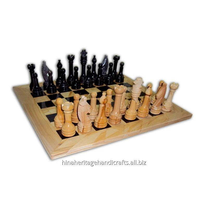 burma_teak_black_marble_chess_set
