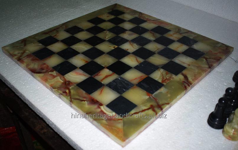 green_black_marbleonyx_chess_set