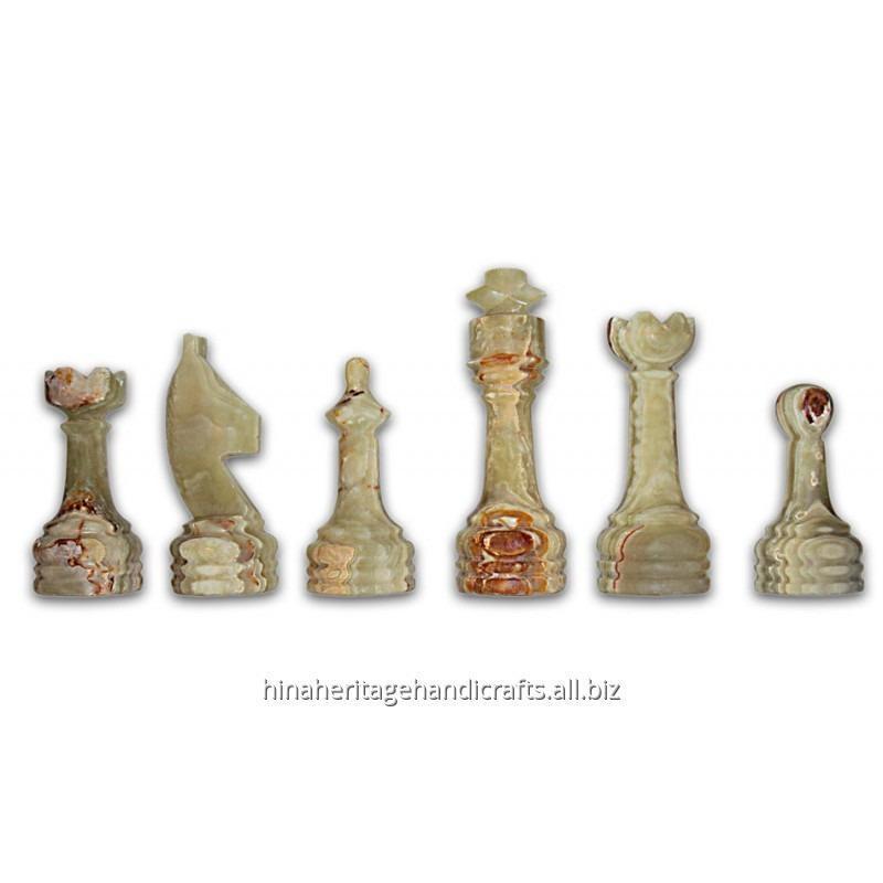 white_green_onyx_chess_set