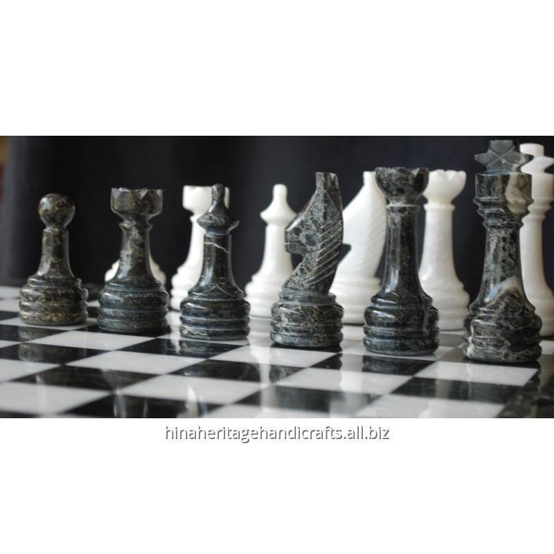 black_zebra_white_marble_chess_set