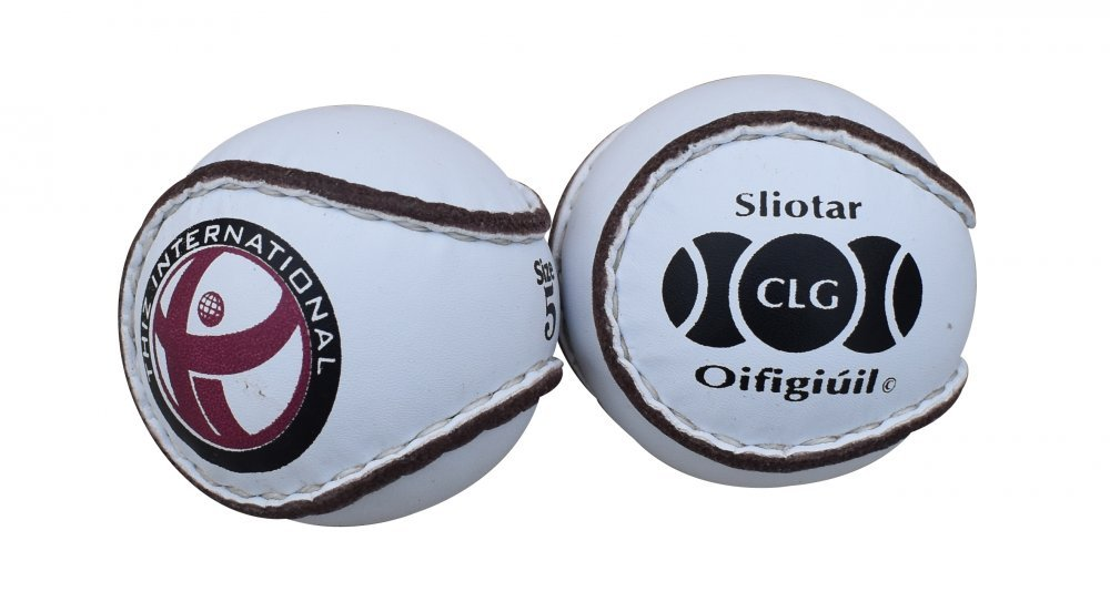 match_sliotars_hurling_balls