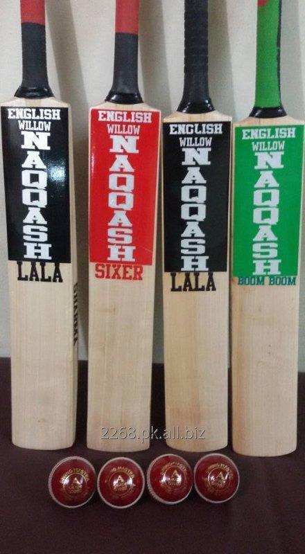 english_willow_cricket_bat